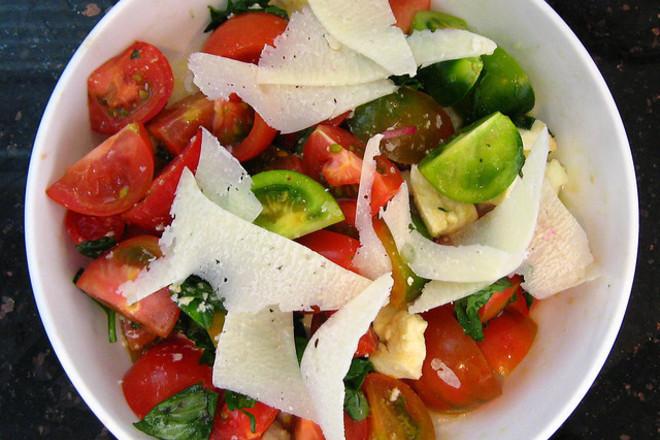 Салата от зелени домати