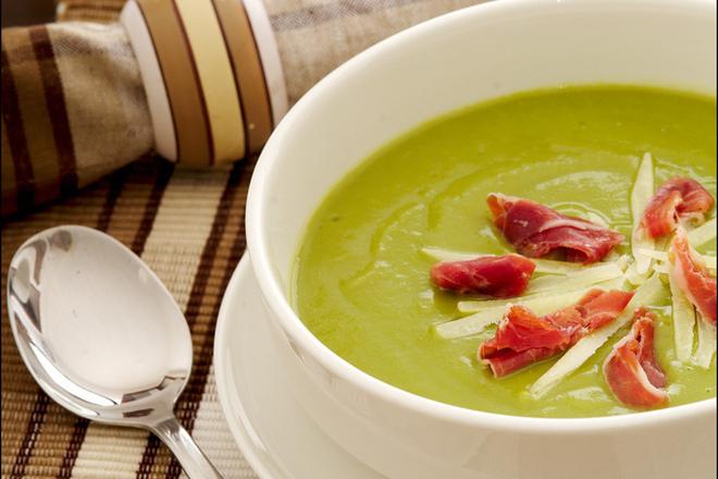 Супа от тиквички с прошуто и пармезан