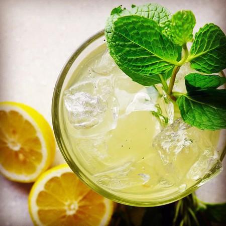 Large mentova limonada
