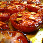 Печени домати с чесън и зехтин