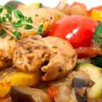Пиле със сотирани зеленчуци