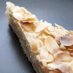 Френска селска торта с филирани бадеми