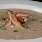Пилешка супа с праз и гъби