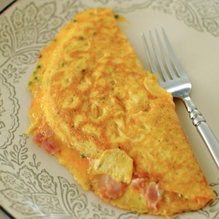 Large omlet sas syomga i krema sirene