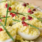 Варени яйца с паремзан и нар