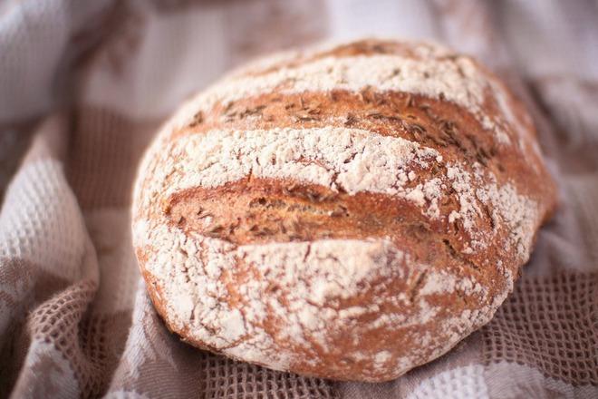 Пълнозърнест хляб с кимион