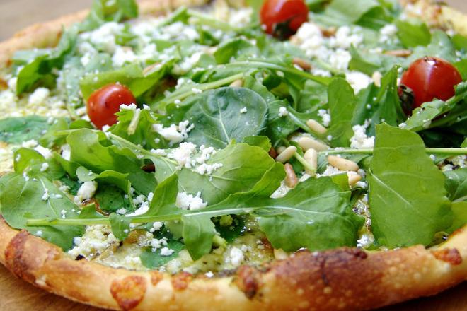 Пица с кедрови ядки