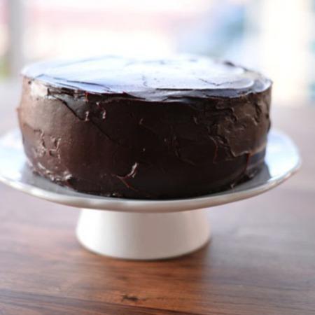 Large lesna shokoladova torta