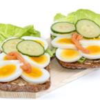 Пълнозърнести сандвичи с варени яйца