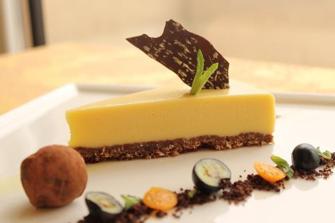 Бял шоколадов кейк с цитрусови плодове