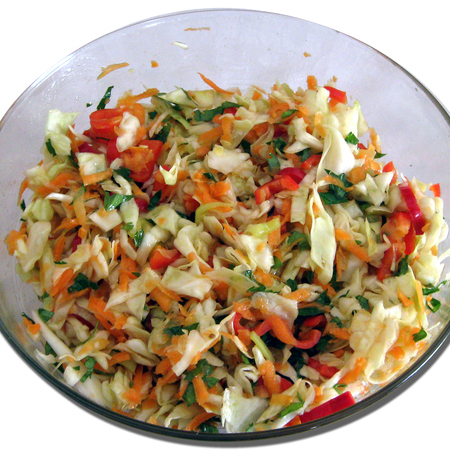 Large salata ot zele morkovi i chushki