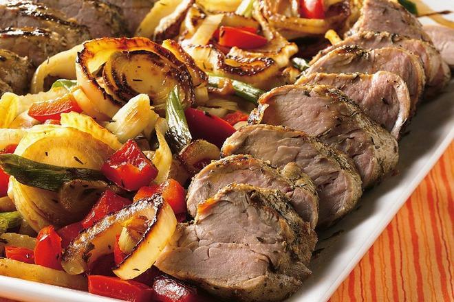 Свинско филе на скара със зеленчуци