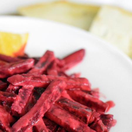 Large salata ot cherveno tsveklo s tahan