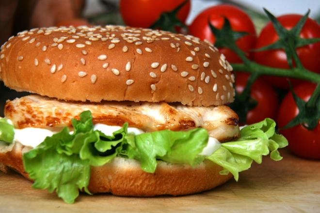 Хамбургер с пилешко филе