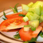Салата от домати и краставици с рукола