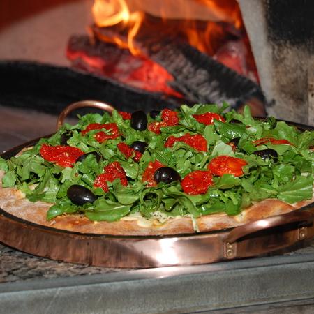 Large pitsa salata