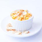 Йогурт с царевица и филирани бадеми