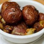 Печени пресни картофи с босилек