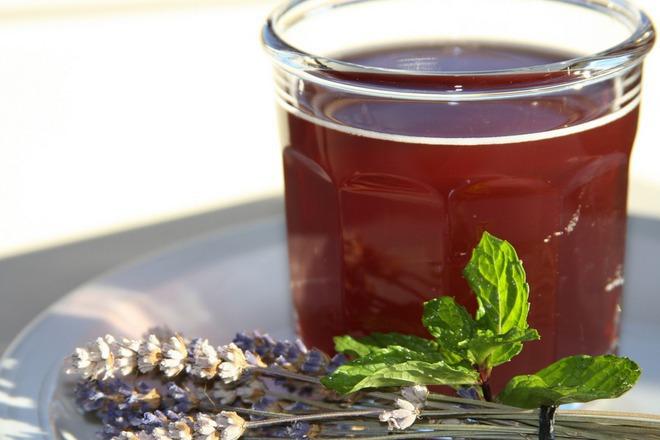 Пунш с шипков чай и лавандула