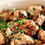 Печено пилешко месо с ароматни билки