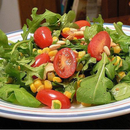 Large salata ot rukola s tsarevitsa