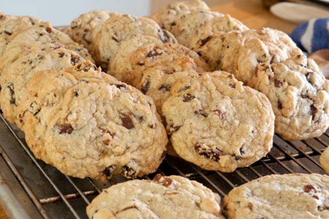 Бисквитки с орехи