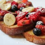 Пържени филийки с плодове