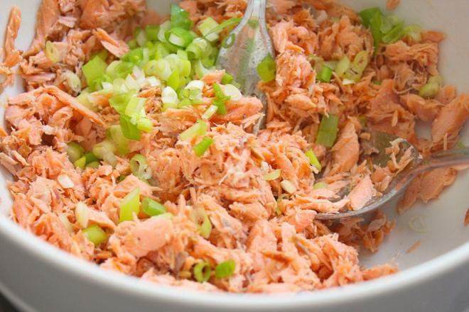 Риба тон с пресен лук