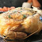 Печено пиле с морска сол и розмарин