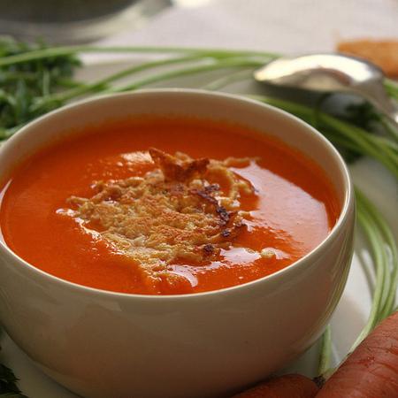 Large domatena krem supa s morkovi