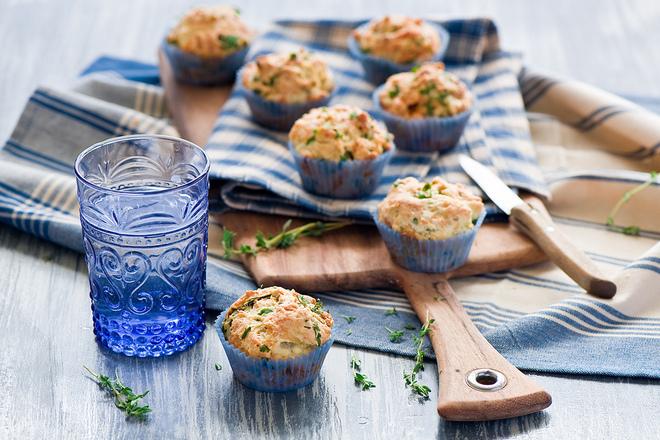 Солени мъфини с риган и сирене
