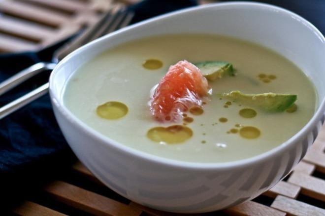 Крем супа от авокадо с грейпфрут