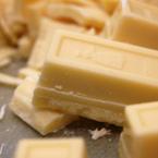 бял шоколад