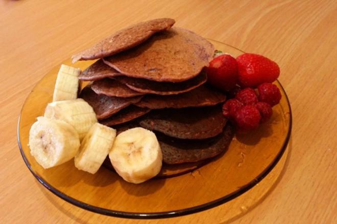 Мини палачинки с три вида зърно и плодове