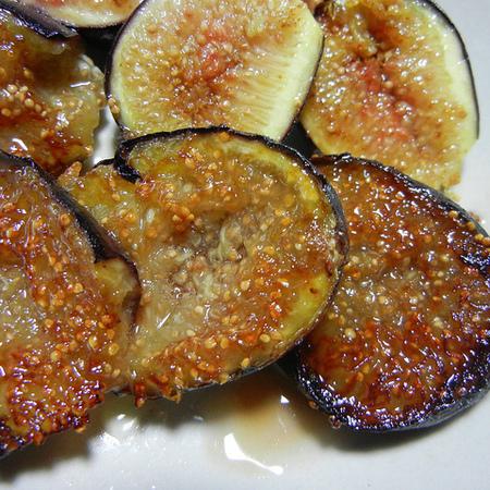 Large pecheni smokini s med