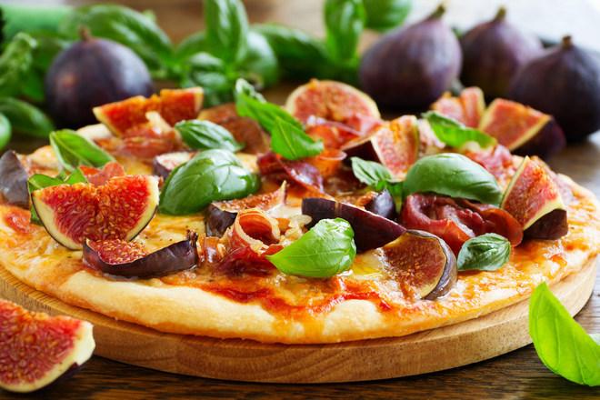 Пица със смокини и прошуто