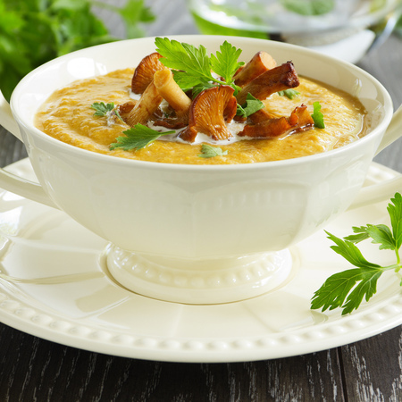Large krem supa ot morkovi s gabi