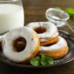 Казанлъшки понички с пудра захар