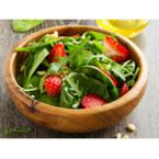Салата от спанак с рукола и ягоди