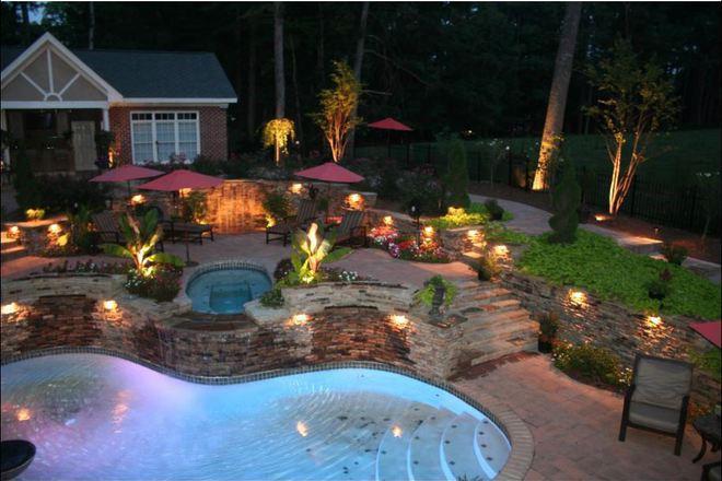 Няколко идеи за осветление в градината