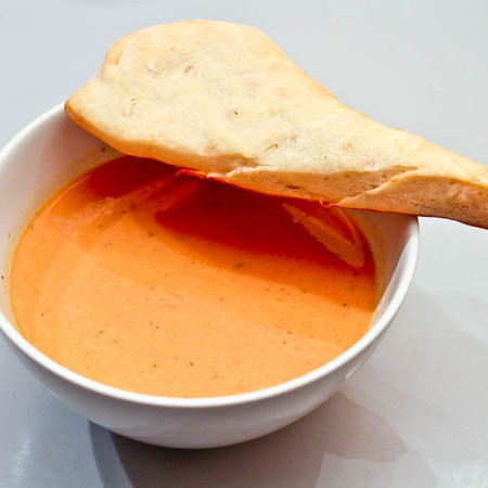 Large krem supa ot morkovi sas sirene