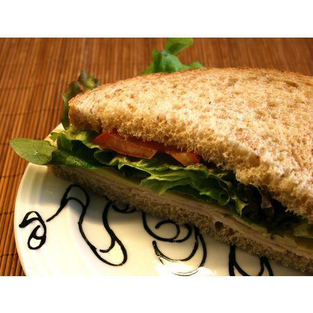 Large sandvich s gauda i zelena salata