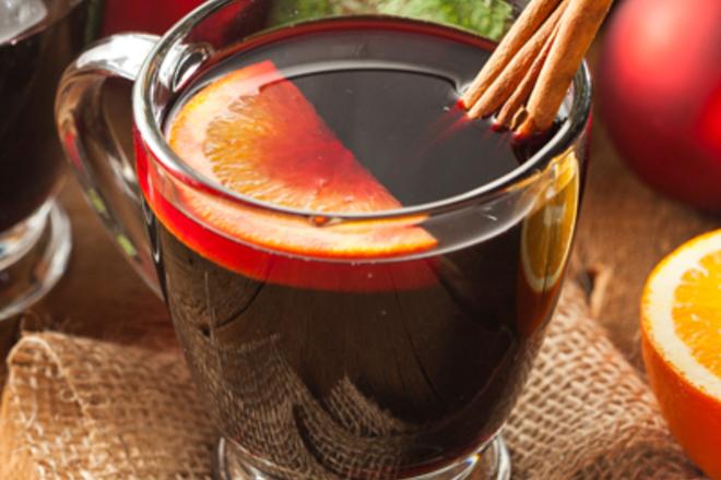 Греяно вино с канела и портокал