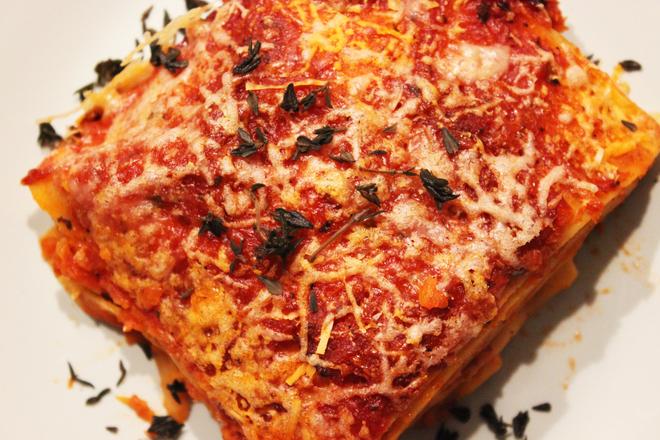 Лазаня с доматен сос