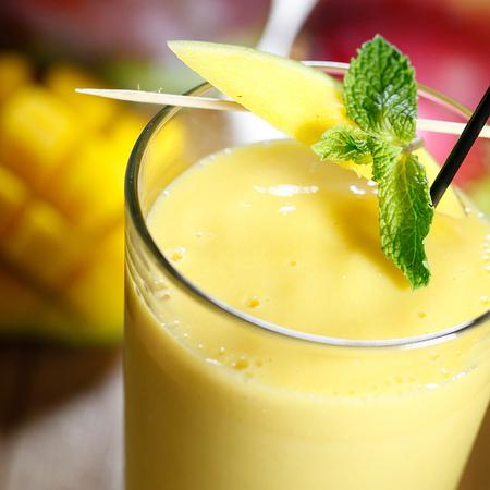 Large smuti ot mango s kokosovo mlyako