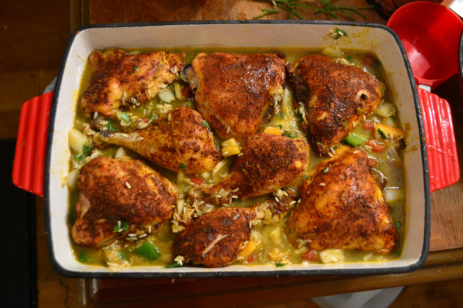 Печено пиле с ориз и зеленчуци