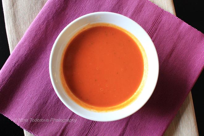 Крем супа от моркови с картофи и лук