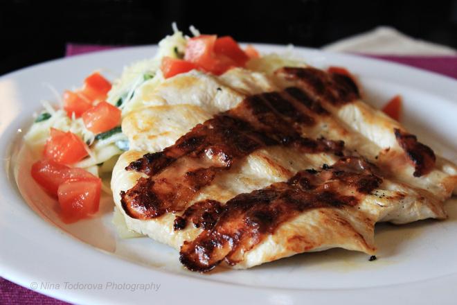 Пилешки пържоли с бекон на скара