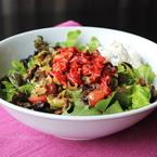 Микс от салати с цедено кисело мляко, тиквички, патладжан и червени чушки