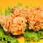 Мариновани панирани пилешки бутчета